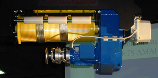 Parallel offset gearmotor hoist